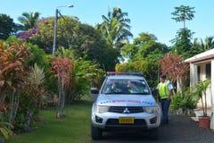 Vehículo de los oficiales de policía de Islands del cocinero en Rarotonga Imagen de archivo libre de regalías