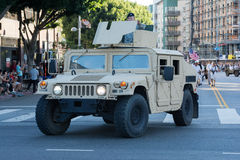 Vehículo militar con los veteranos Fotos de archivo libres de regalías