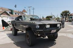 Vehículo posts-apocalíptico de la supervivencia de Ford Mustang Imágenes de archivo libres de regalías