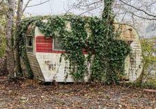 Vehículo recreativo abandonado Fotografía de archivo libre de regalías