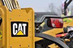 Vehículo y logotipo resistentes del equipo de Caterpillar Fotografía de archivo
