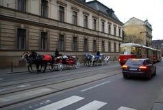 Vehículos de la ciudad de Praga Foto de archivo