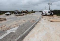 Vehículos de la emergencia en el huracán Ernesto de Mahahual Foto de archivo libre de regalías