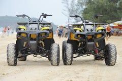 Vehículos de la playa de Sandy Imagen de archivo libre de regalías