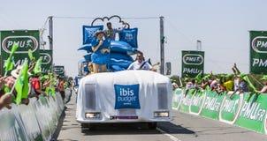 Vehículos de los hoteles del presupuesto de Ibis Imagen de archivo