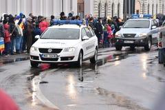 Vehículos policiales en un evento nacional Imagen de archivo