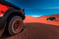 vehículos 4x4 y dunas Foto de archivo libre de regalías
