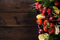 Vehículos y fruta Fotografía de archivo libre de regalías
