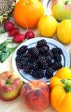 Vehículos y fruta coloridos Fotos de archivo libres de regalías