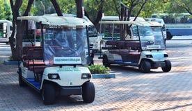 Vehículos zoológicos de la batería del parque Imagen de archivo