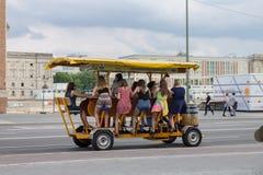 Vehículo Berlin Germany de la cerveza Foto de archivo