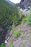 Vehices четырехколесного привода на опасной, который подвергли действию дороге в скалистых горах, Колорадо полки Стоковые Изображения