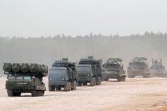 Veicoli blindati russi della colonna Fotografia Stock Libera da Diritti