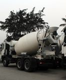 Veicolo del miscelatore di cemento o del calcestruzzo Immagini Stock