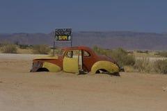 Veicolo di Junked, solitario, Namibia Fotografia Stock