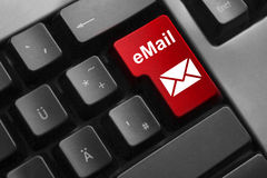 Veilige toetsenbord rode knoop e-mail Stock Foto's