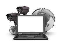 Veiligheidscamera's, laptop en aardebol Royalty-vrije Stock Afbeeldingen