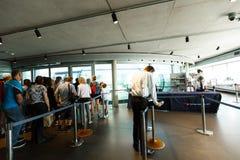 Veiligheidscontrolepost bij de ingang aan de observatietoren van British Airways i360 Royalty-vrije Stock Foto