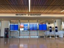 Veiligheidscontrolepunt bij de Luchthaven van de Hemelhaven stock foto
