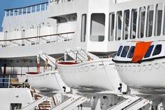 Veiligheidsreddingsboot op schipdek royalty-vrije stock foto's
