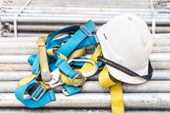 Veiligheidsuitrusting en helm Stock Afbeelding
