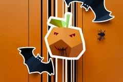 Veille de la toussaint heureuse Décor de Halloween fait de papier Photo libre de droits