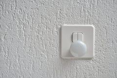 Veilleuse et interrupteur de lampe sur le mur Photo libre de droits