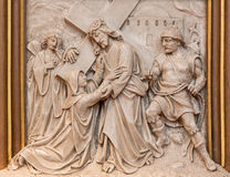 Veinna -耶稣集会他的作为发怒方式周期的一部分的母亲安心在Sacre Coeur教会里 免版税库存图片