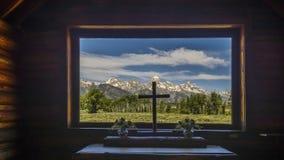 Veiw da janela da capela foto de stock royalty free