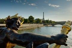 Veja da ponte de Alexandre III em Paris Foto de Stock Royalty Free