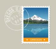 Vektor av Mt Huv bak sjön med reflexion oregon royaltyfri illustrationer