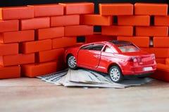 Vektor EPS8 Räkningar för bruten bil och för en dollar Skada efter olycka royaltyfri foto