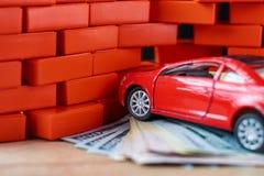 Vektor EPS8 Räkningar för bruten bil och för en dollar Skada efter olycka arkivfoton