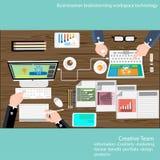 Vektor-Geschäftsmannbrainstorming-Arbeitsplatztechnologie Stockfotografie