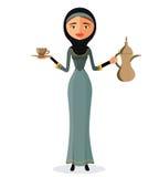 Vektor - härlig arabisk kvinna som rymmer en arabisk kaffekruka och med en koppisolat på vit bakgrund stock illustrationer