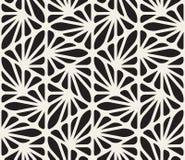 Vektor-nahtloses Schwarzweiss-organisches mit Blumendreieck zeichnet sechseckiges geometrisches Muster Lizenzfreies Stockbild