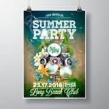 Vektor-Sommer-Strandfest-Flieger-Design mit den typografischen und Musikelementen auf Ozeanlandschaftshintergrund Lizenzfreie Stockbilder