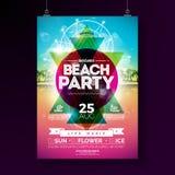 Vektor-Sommer-Strandfest-Flieger-Design mit typografischen Elementen und abstrakte Farbgeometrische Form auf tropischem landsape vektor abbildung