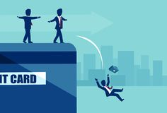Vektor von den Wirtschaftlern, die am Rand der Kreditkarte fällt in Nichterfüllung balancieren lizenzfreie abbildung