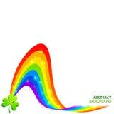Vektorbakgrund med regnbågen och lycklig växt av släkten Trifolium Arkivbilder