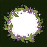 Vektorcirkelram som göras av blommor Vår- och sommarsamling Vektorinbjudanmall Vektorblommakrans på a Arkivbilder