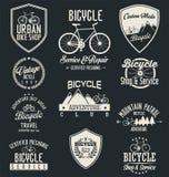 Vektorcykeln förser med märke och etiketter Arkivfoton
