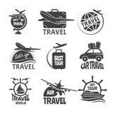 Vektoretikett eller resande tema för logoforma Monokromma bilder av flygplan vektor illustrationer