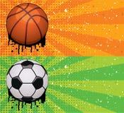 Vektorgrunge Basketball- und Fußballhintergründe Lizenzfreie Stockfotos