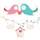 Vektorillustration av två gulliga fåglar förälskade Wedd Arkivfoton