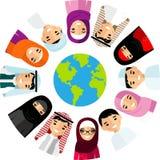 Vektorillustration av olika arabiska barn, folk på planetjord Royaltyfri Bild