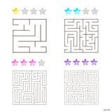 Vektorillustration av uppsättningen av 4 fyrkantiga labyrinter för ungar Royaltyfri Fotografi
