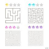 Vektorillustration av uppsättningen av 4 fyrkantiga labyrinter för ungar Royaltyfria Bilder