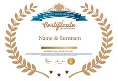 Vektorillustration des Goldausführlichen Zertifikats Stockfoto