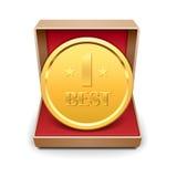 Goldene Medaille in der roten Geschenkbox. Stockfoto